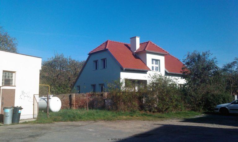 Oprava střechy a fasády domu
